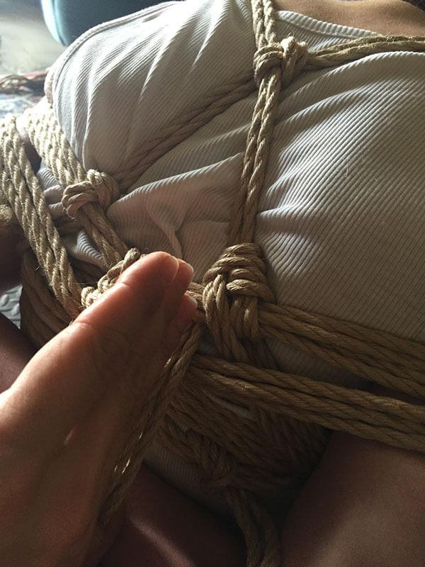 Lezione privata di bondage