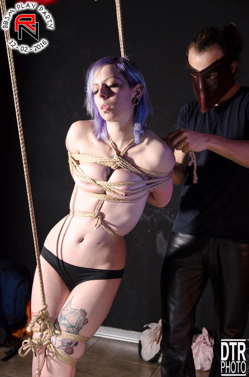 regina-nera-bondage-shibari-kinbaku